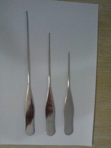 拨松针也被称为松筋针、拔松针